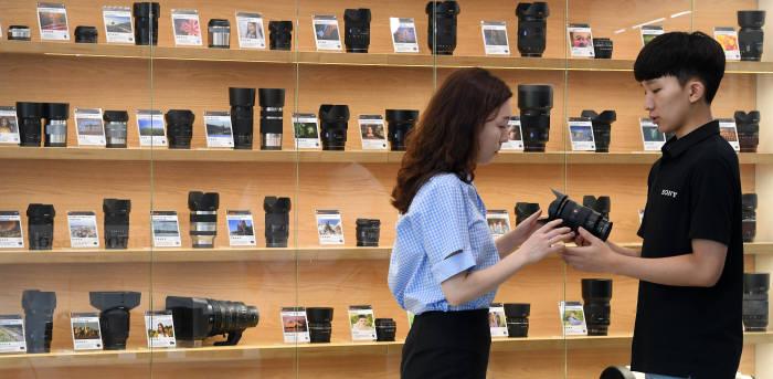 소니 풀프레임 카메라 전용렌즈 품귀