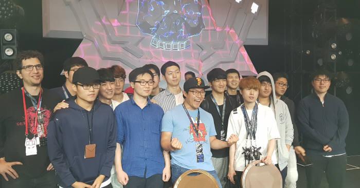 한국 DEFKOR00T팀이 데프콘CTF26에서 우승했다.