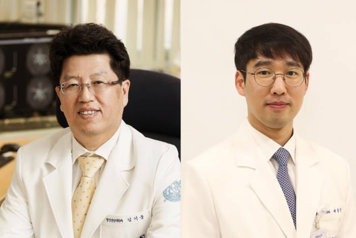 김기웅 분당서울대병원 정신건강의학과 교수(왼쪽), 배종빈 임상강사