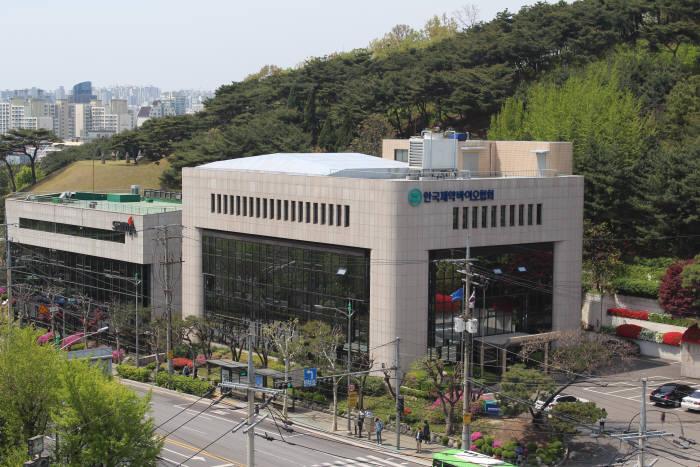 규제 막힌 '빅데이터' 활용 신약개발, 공공 빅데이터 빠진 인공지능신약개발지원센터
