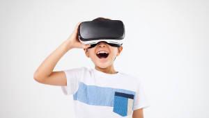앉아서 세상을 보고 느끼고 경험할 수 있는 VR