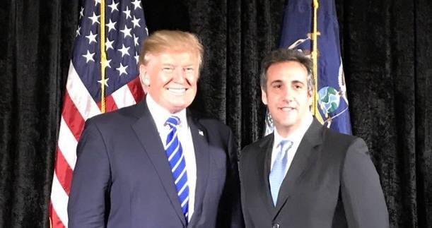 (왼쪽부터)도널드 트럼프 미 대통령과 마이클 코언 변호사