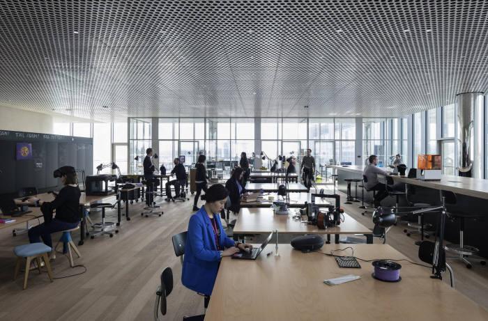 머크 본사에 위치한 이노베이션센터의 작업 공간 (사진=머크)