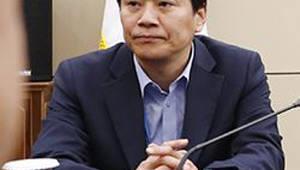 """임종석 비서실장, UAE 칼둔 청장과 통화…""""왕세제 방한 논의"""""""