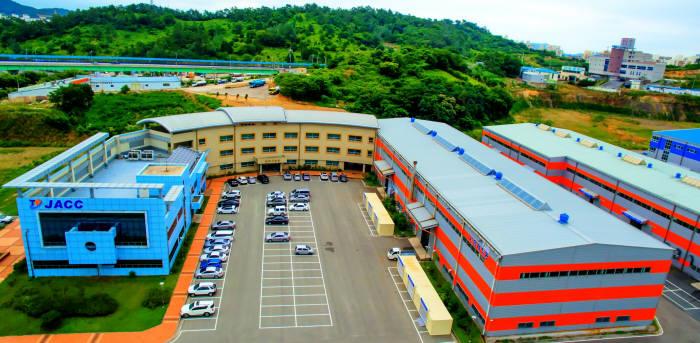 목포세라믹일반산업단지에 위치한 전남테크노파크 세라믹산업종합지원센터 전경.