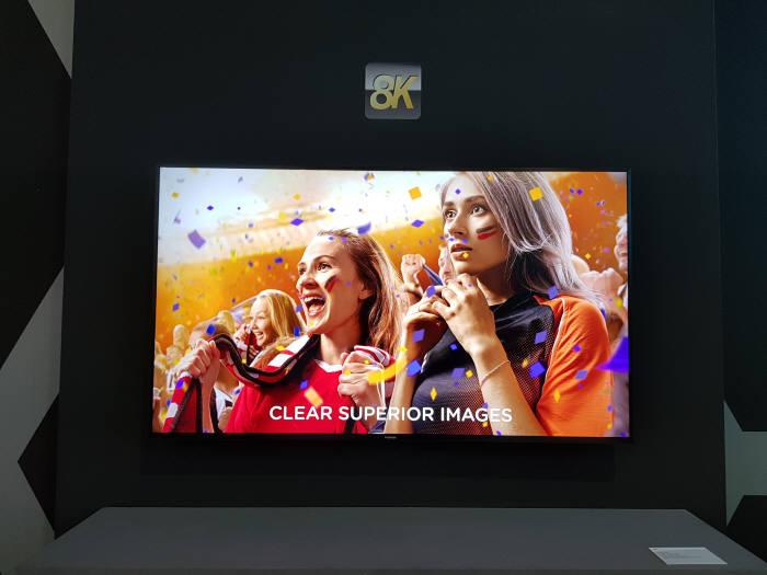 도시바가 공개한 8K TV