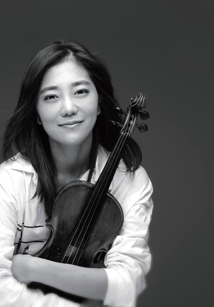 광주과학기술원은 6일 오후 4시 GIST 오룡관 2층 다산홀에서 설립 25주년을 기념해 명예홍보대사인 바이올리니스트 박지혜 콘서톡을 개최한다.