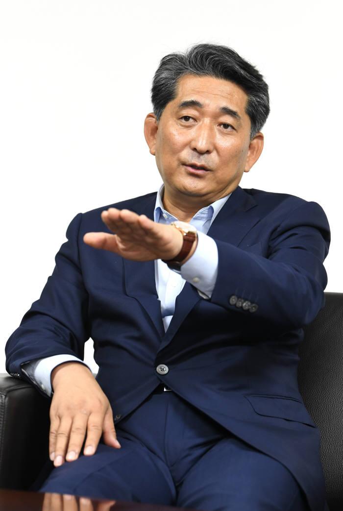 [데스크가 만났습니다] 이재한 중소기업중앙회 부회장(한용산업 대표)