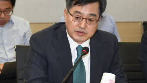 """김동연 부총리 """"추석 전 부동산 대책 발표"""""""