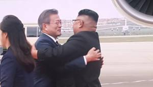 [평양정상회담]문 대통령, 평양 도착…김 위원장과 포옹
