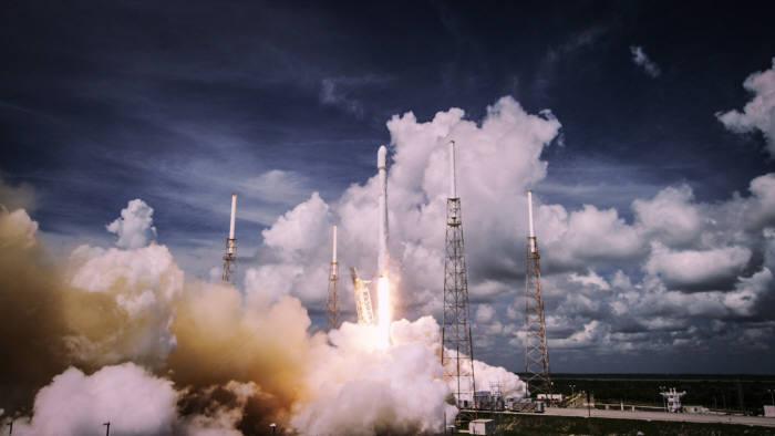 스페이스X가 팰컨 9 로켓 발사 장면(출처:유투브 영상 캡처)
