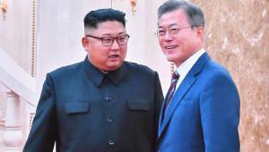 [평양정상회담]문 대통령·김정은 부부, 늦은 시간까지 삼지연 관현악단 공연 동반관람