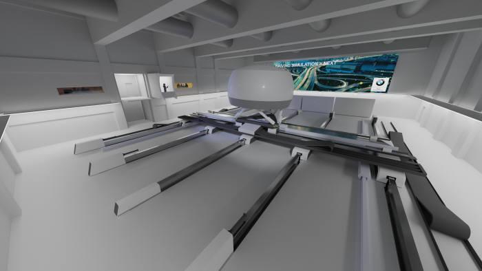 BMW그룹 드라이빙 시뮬레이션 센터 내부.