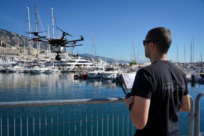 9월 26일부터 29일까지 진행된 2018 모나코 요트 쇼(Monaco Yacht Show)에서 화웨이와 모나코텔레콤이 5G 커넥티드 무인항공기 시연을 선보였다.