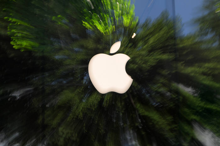 """[구글]""""애플·아마존 서버에서 중국 스파이칩 발견""""…양사는 부인"""
