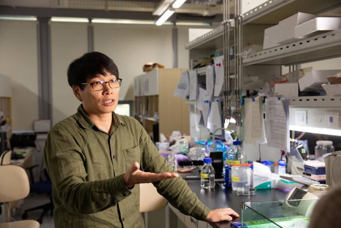 박태주 교수가 연골 형성 유전자와 기능에 대해 설명하고 있다.