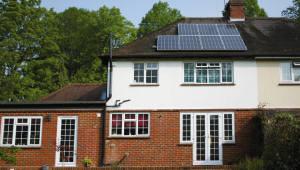 한화큐셀, 런던 주택 태양광 프로젝트에 '큐피크 듀오' 공급