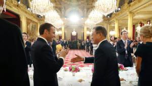 """문 대통령, 마크롱에게 """"EU 세이프가드 조치에 '한국산 철강' 제외해 달라"""" 요청"""