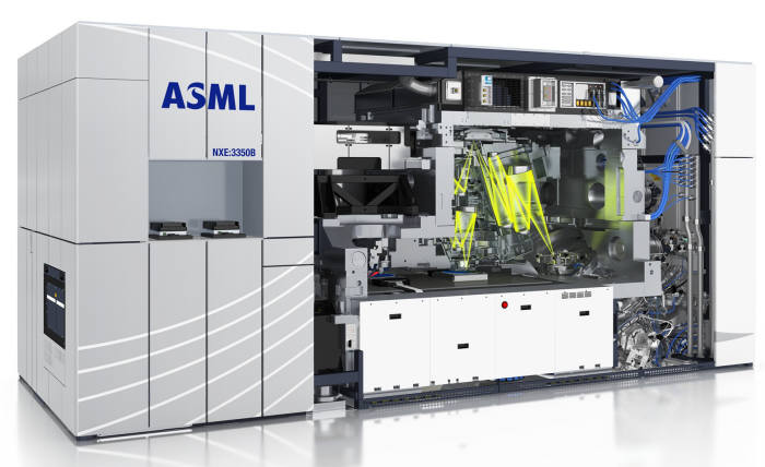 네덜란드 장비 업체인 ASML의 EUV 노광장비. EUV 장비는 ASML이 세계 유일하게 생산하고 있다.(자료: ASML)