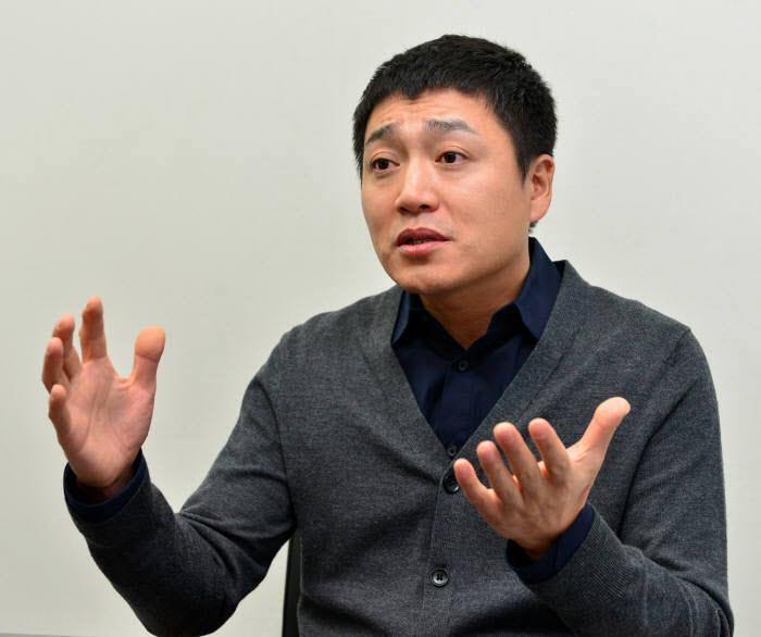 김성현 슈퍼솔루션 대표는 블룸버그 스파이칩 기사는 가짜뉴스에 불과하다고 일축했다.