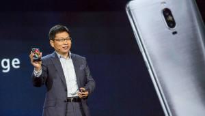 """[국제]리처드 유 화웨이 CEO """"5G 폴더블폰 내년에 반드시 출시"""""""