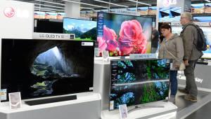 英·美 주요 매체, LG 올레드 TV 호평...최고 TV로 선정 이어져