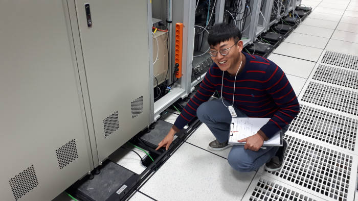 IBS 데이터 센터에 지난해 구축한 면진패드