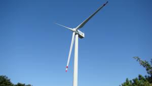 성윤모 산업부 장관, 국내 유일 풍력블레이드 제조기업 방문