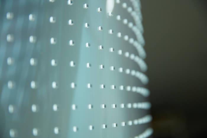 글로우원이 개발한 투명 플렉시블 발광다이오드(LED). (사진=글로우원)
