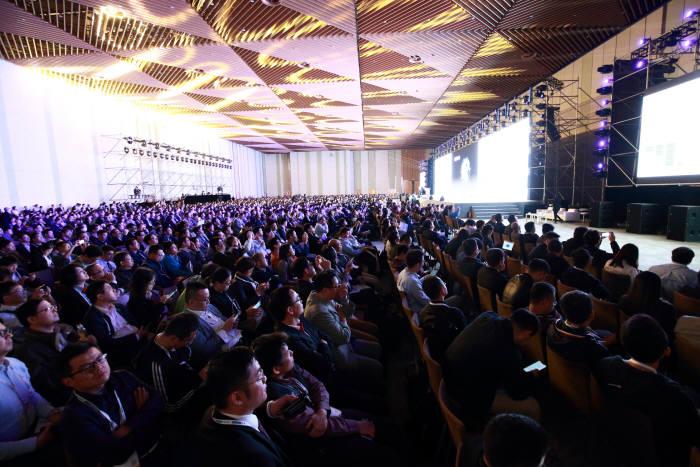 어드밴텍이 지난 1일부터 2일까지 양일간 일정으로 7000여명이 참석한 가운데 중국 쑤저우 국제 엑스포 센터에서 IoT 코크리에이션 서밋(Co-Creation Summit)을 개최했다.