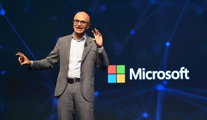 사티아 나델라 마이크로소프트 CEO 'MS 클라우드·인공지능(AI) 기술로 디지털 트랜스포메이션 지원'