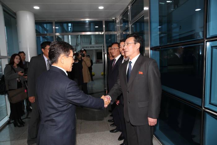 11년 만에 남북 보건의료 회담 재개...'감염병 예방 방역' 논의