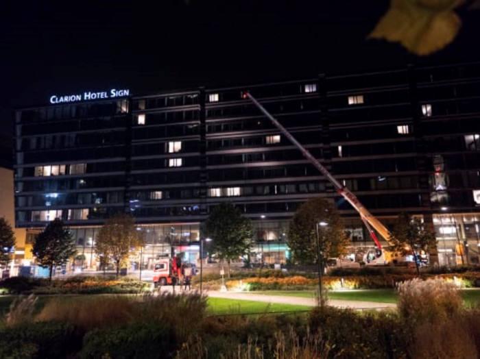 한화큐셀이 태양광모듈을 공급한 스웨덴 스톡홀름 클라리온 호텔 사인. [자료:한화큐셀]
