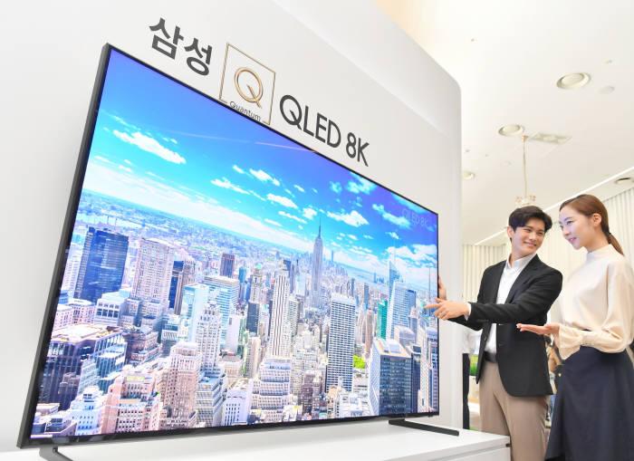 QLED vs OLED 주도권 경쟁...QLED 내년 첫 역전 예상