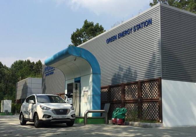 서울 양재동 현대자동차 수소충전소.