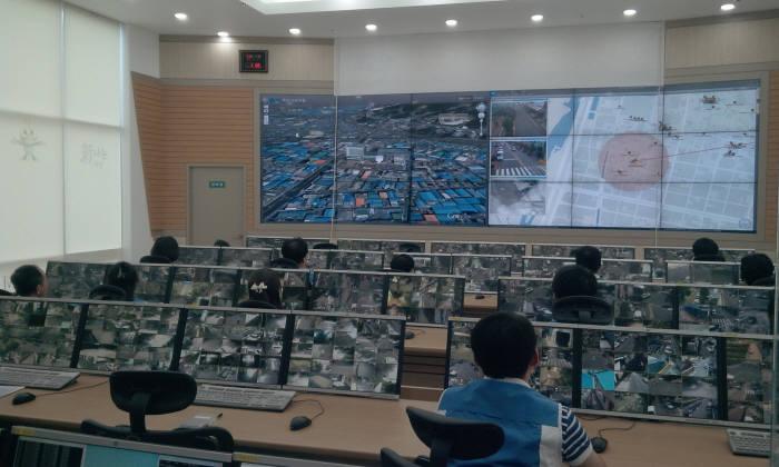 리얼허브의 지능형 CCTV영상 관제시스템 운용 이미지. 리얼허브는 이 시스템에 생체인식 기술을 접목, 바이오인식 물리보안시스템을 개발한다.