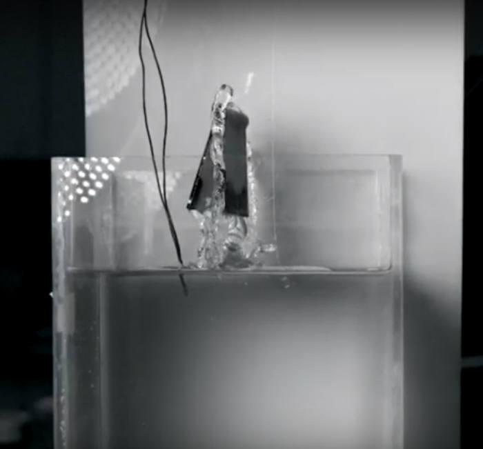 수중 점프 로봇<직접 캡처>