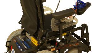 인텔, 사지마비 환자 위한 AI 표정 인식 휠체어 제어 기술 선보여