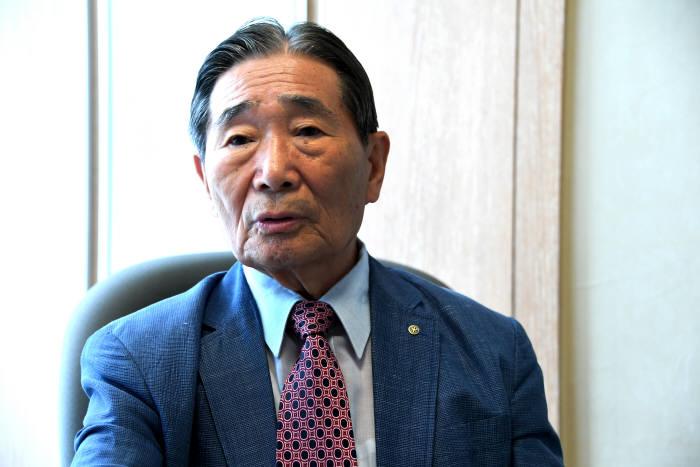 박성득 심사위원장
