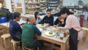 롯데케미칼, 국내외 직원 15명 해외인력교류 프로그램 실시