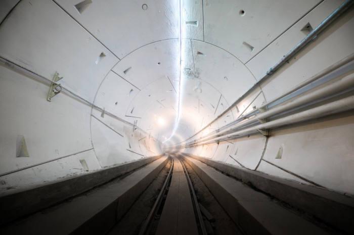 일론 머스크가 창업한 보링 컴퍼니가 공개한 지하 터널 루프 모습(출처: 보링 컴퍼니 트위터)