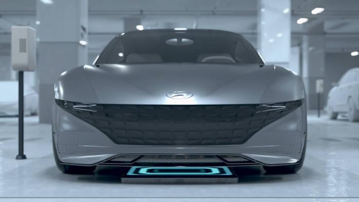현대·기아차는 자율주차 콘셉트를 담은 3D 그래픽 영상을 통해 자율주행 자동차 시대의 청사진을 제시했다. 사진은 자율주차 콘셉트 영상의 한 장면.