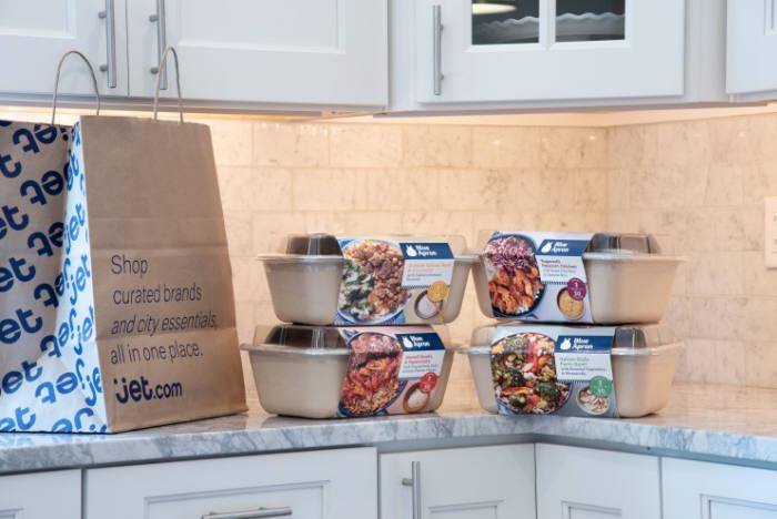 블루에이프런은 반조리된 식재료나 간편식사를 배송해준다.(출처=블루에이프런 홈페이지)