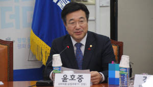 민주당 조강특위 위원장에 윤호중 사무총장