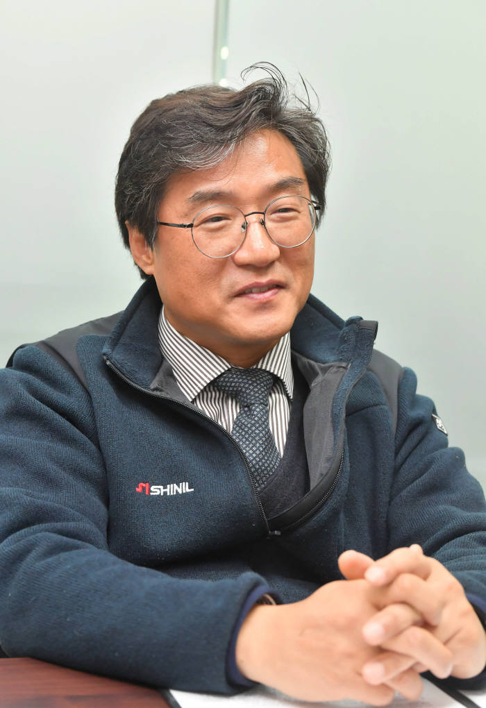 [데스크가 만났습니다]정윤석 신일산업 대표