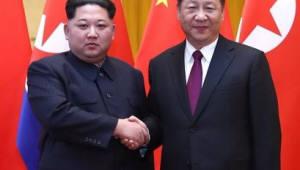 """김정은-시진핑 """"북한은 한반도 평화 위해 노력 중...대북제재 완화해야"""""""