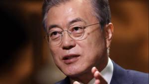 """[대통령 신년회견]文 """"경제 정책 유지·보완, 혁신 신산업 투자할 것"""""""