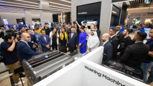 삼성전자, 두바이에 '삼성 익스피리언스 스토어' 열어...'커넥티드 리빙' 체험 중점