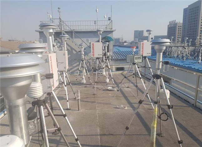 국산 초미세먼지 자동측정기 현장실험 모습. [자료:환경부]