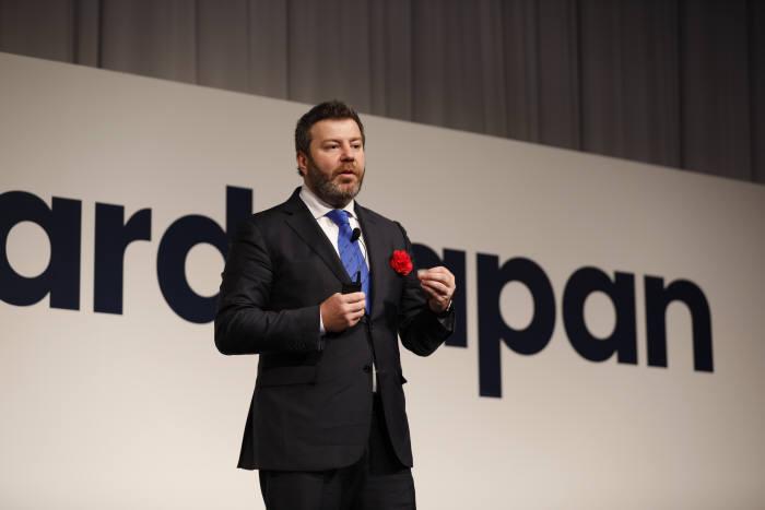 다니엘 디네스 유아이패스 CEO겸 공동창립자가 30일 일본 도쿄 프린스 파크타워 호텔에서 열린 유아이패스포워드 재팬에서 기조연설을 하고있다. 유아이패스 제공